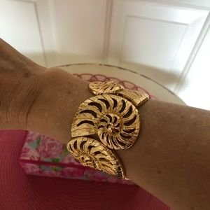 Lilly Pulitzer Jewelry - Lilly Pulitzer Gold Tone Shell Cuff Bracelet.